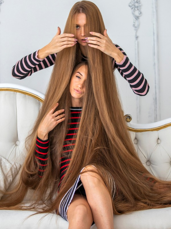 PHOTO SET - The long hair sofa photoshoot
