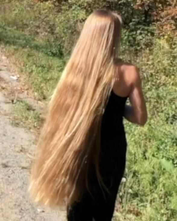 PHONE VIDEO - Julia's walk