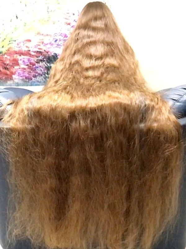 VIDEO - Floor length hair play and chair covering