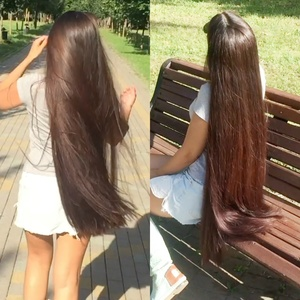 VIDEO - A long hair trip in the park