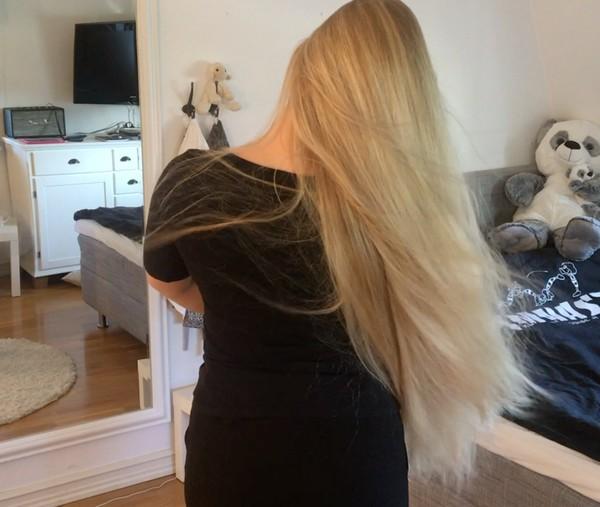 VIDEO - Windy hair play inside