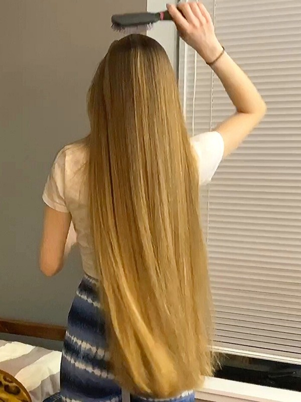 VIDEO - Perfect blonde healthy hair play