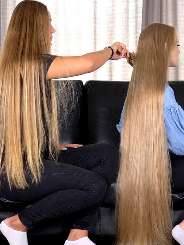 VIDEO - Theresa preparing Victoria's hair