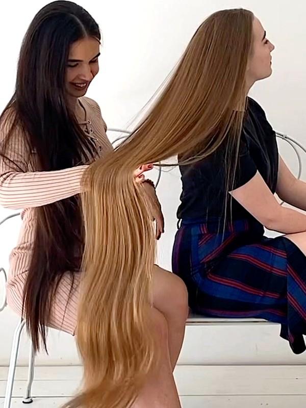 VIDEO - She loves her hair length!