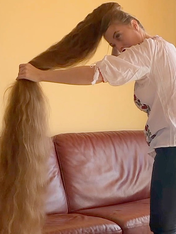 VIDEO - OMG! So much hair!