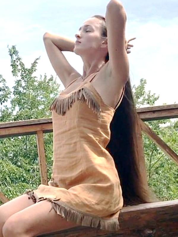 VIDEO - Aleksandra´s outside hair play