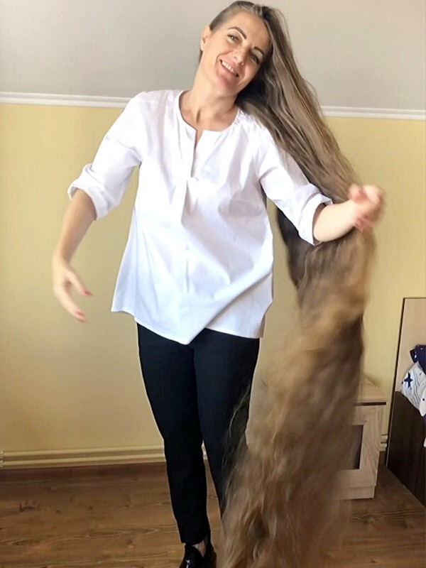 PHONE VIDEO - Romanian Rapunzel Lidia