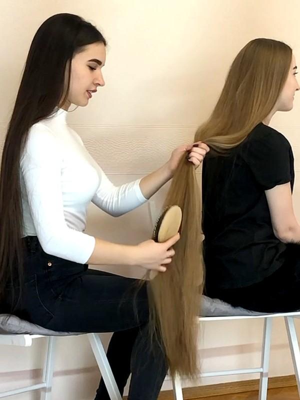 VIDEO - Diana loves Anastasia's hair
