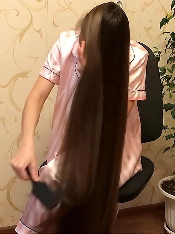 VIDEO - Silk on silk