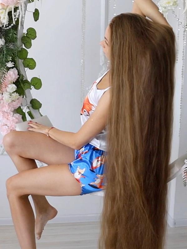 VIDEO - Extreme hair, extreme elegance