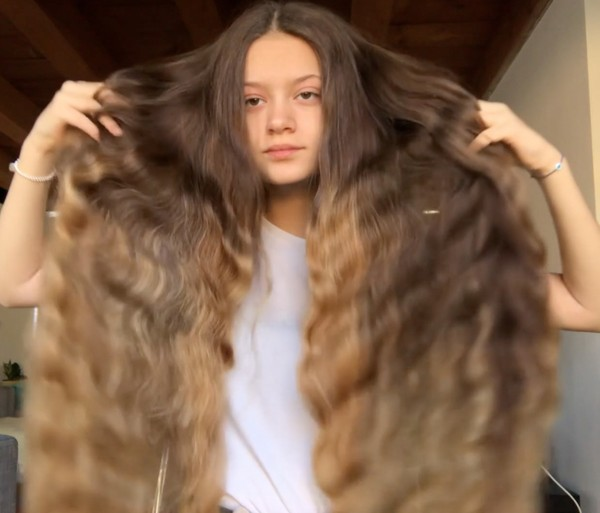 VIDEO - Ottavia's braid waves