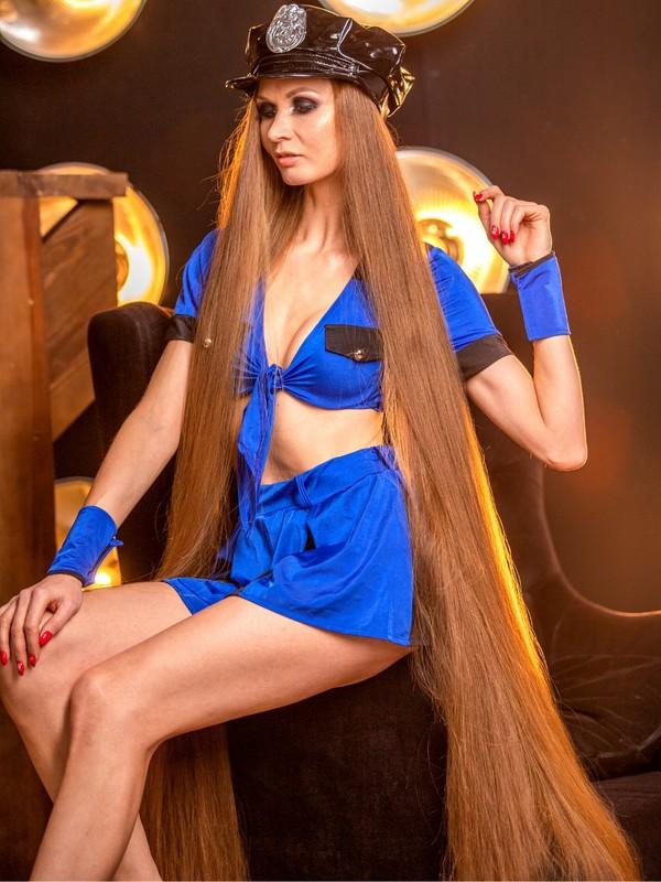 PHOTO SET - Extreme Rapunzel beauty photoshoot