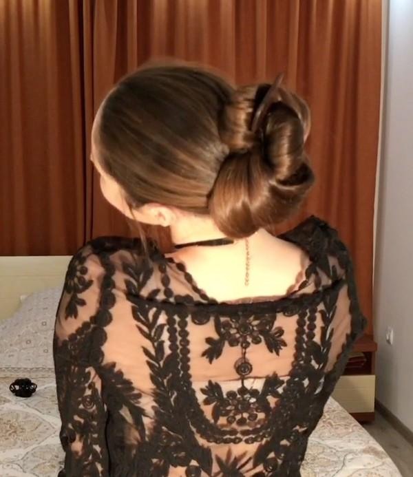 VIDEO - Xenia´s perfect buns
