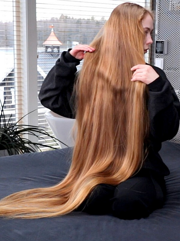 VIDEO - Perfect Rapunzel hair covering