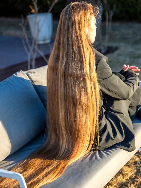 PHOTO SET - Rapunzel's blonde bench 2 photoshoot