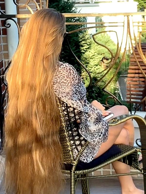 VIDEO - Long hair terrace