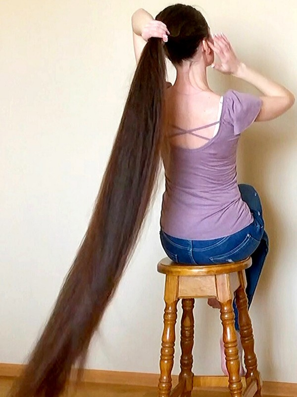 VIDEO - Extremely soft, super long hair