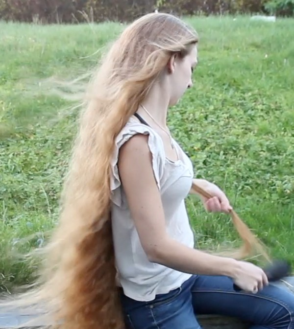 VIDEO - Waves from double dutch braids