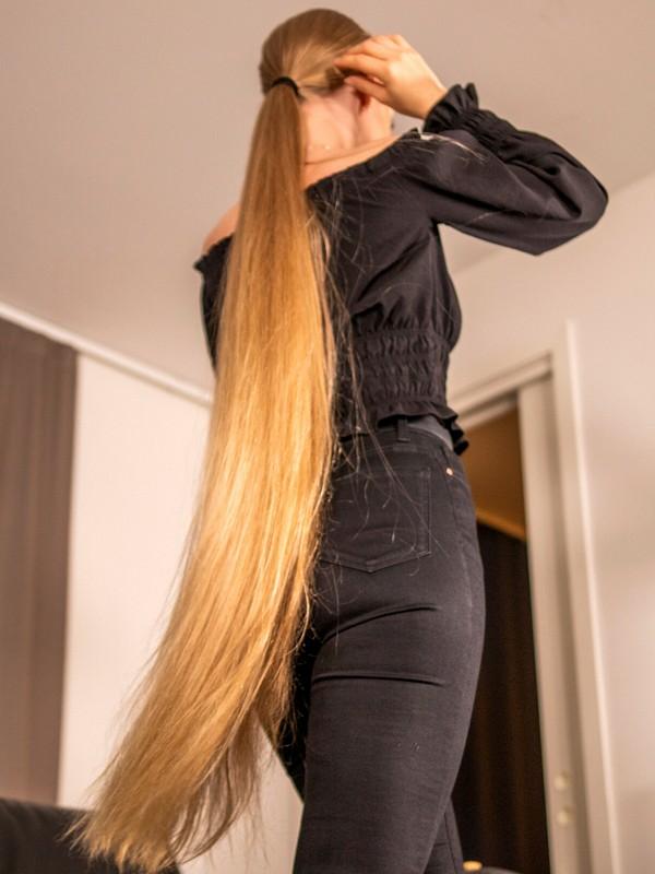 PHOTO SET - Extreme ponytails photoshoot