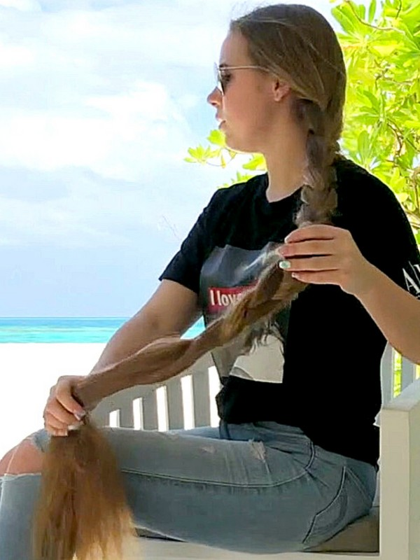 VIDEO - A Rapunzel by the beach