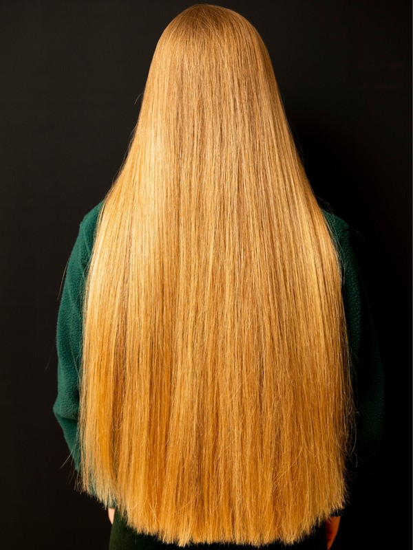 PHOTO SET - Blonde elegance in green