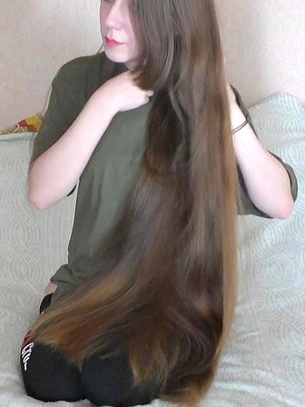VIDEO - Tanya's silk show