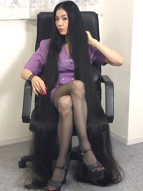 VIDEO - Office Rapunzel 9