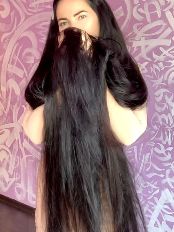 VIDEO - Long hair = luxury