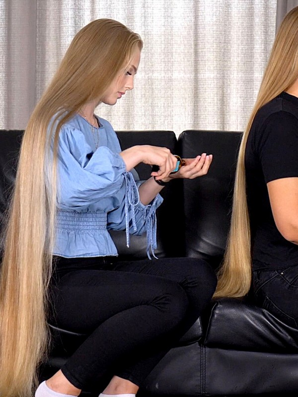 VIDEO - Victoria preparing Theresa's hair