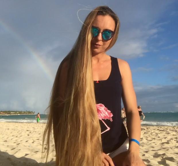 VDEO - Blonde beach