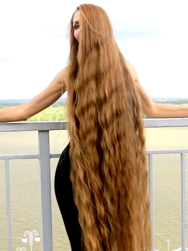 VIDEO - Perfect outdoor hair display