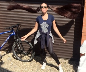 VIDEO - Supershiny pigtails