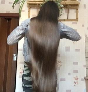 VIDEO - Elena´s freshly washed hair