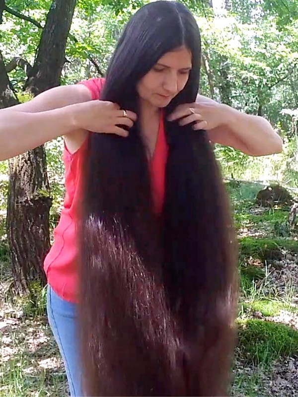 VIDEO - Rapunzel in the forest