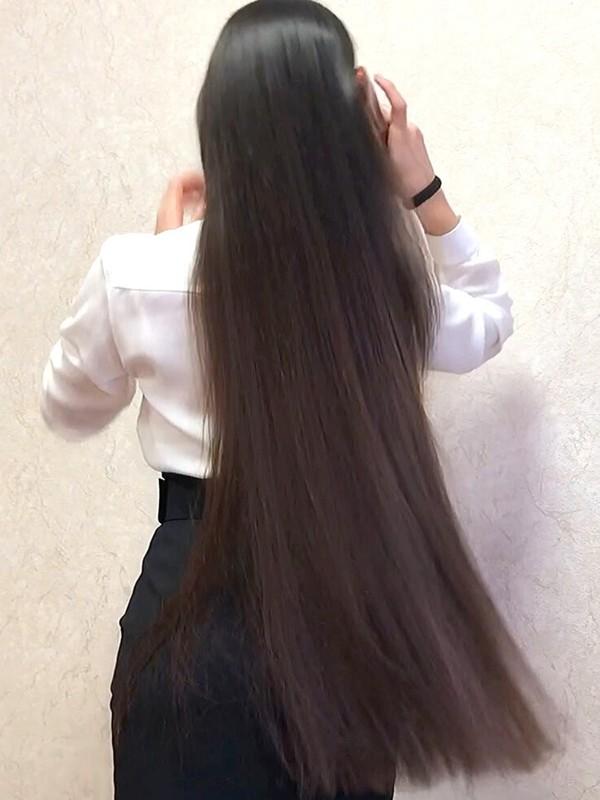 VIDEO - Elegant Diana's high ponytail