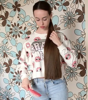 VIDEO - Irina's ponytail