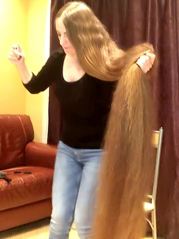 VIDEO - Heavy floor length hair braiding and brushing