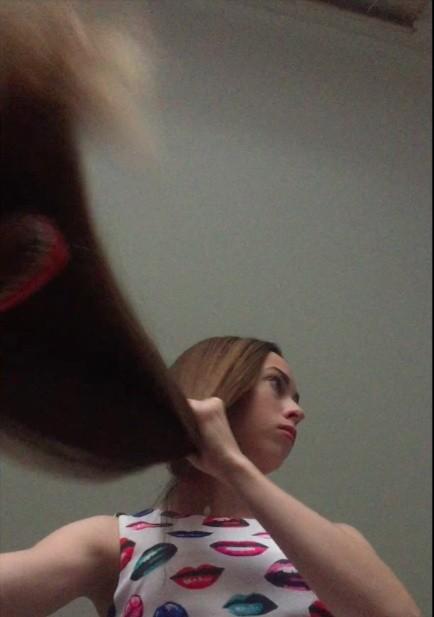 VIDEO - Flying classic length hair