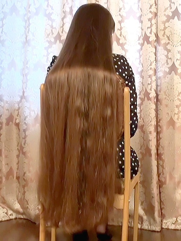 VIDEO - Thick braids and huge ponytails
