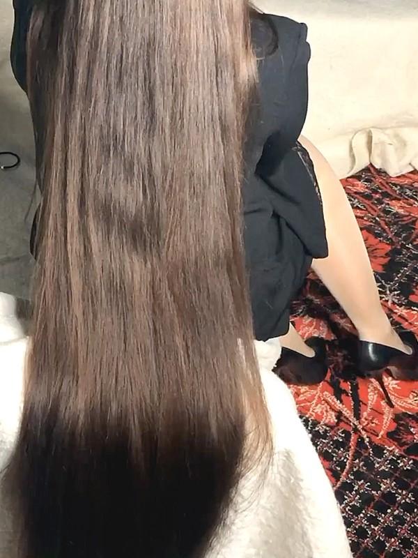 VIDEO - Heavy ponytails 2