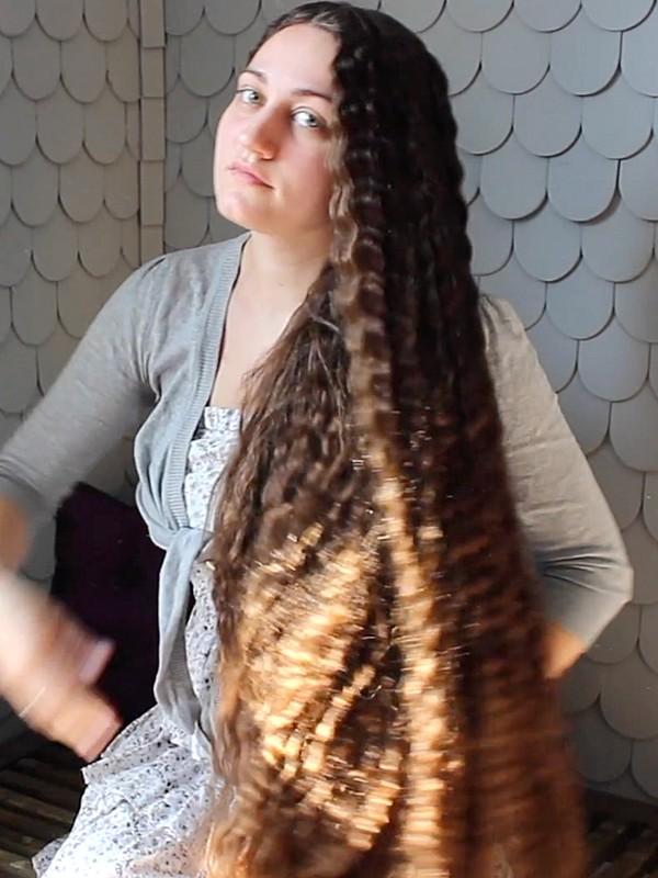 VIDEO - Undoing many braids