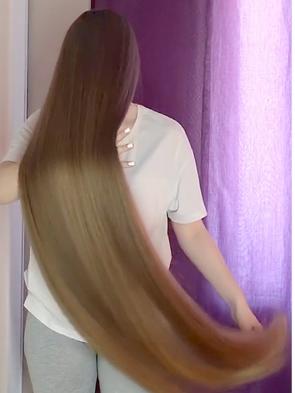 VIDEO - Anastasia loves long hair