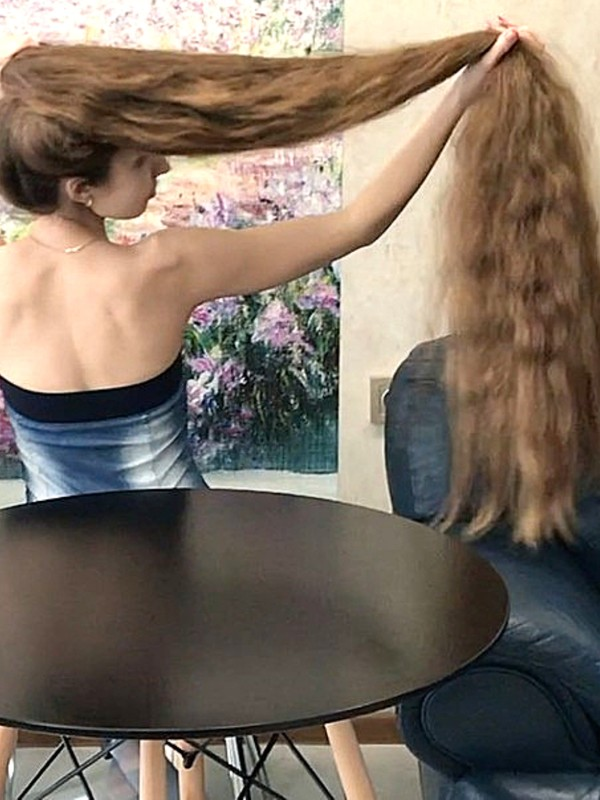 VIDEO - The hair table