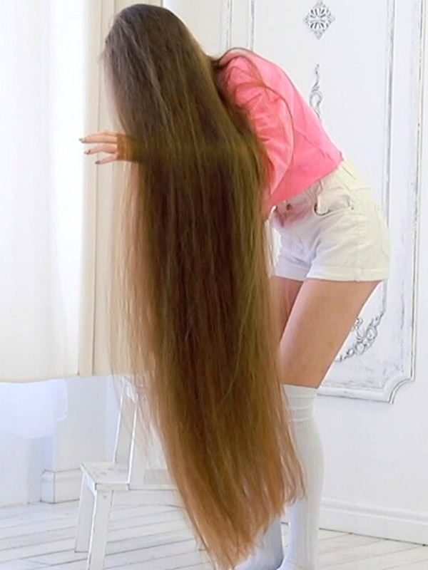 VIDEO - Super long calf length hair and pink