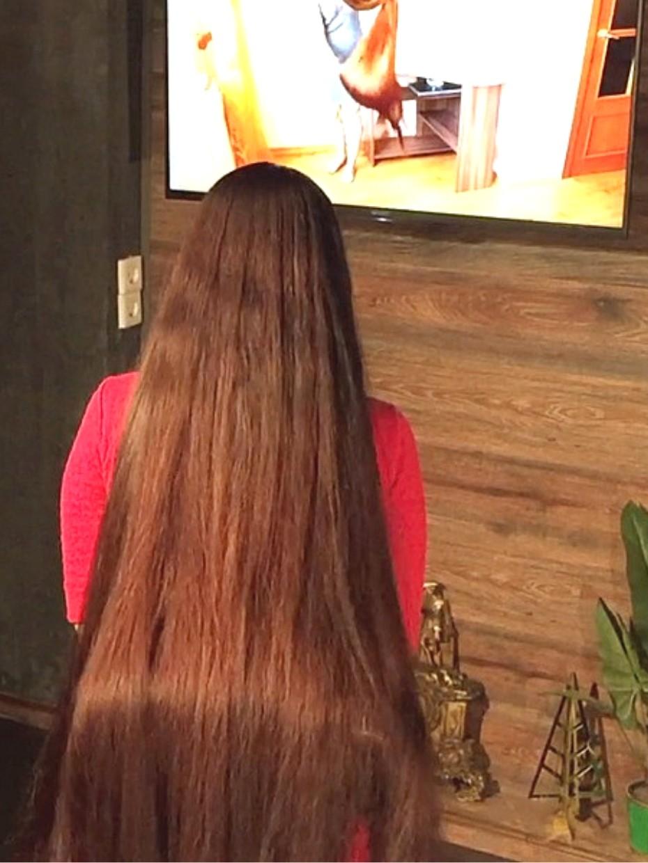 - RealRapunzels VIDEO Mila watches - Aliia