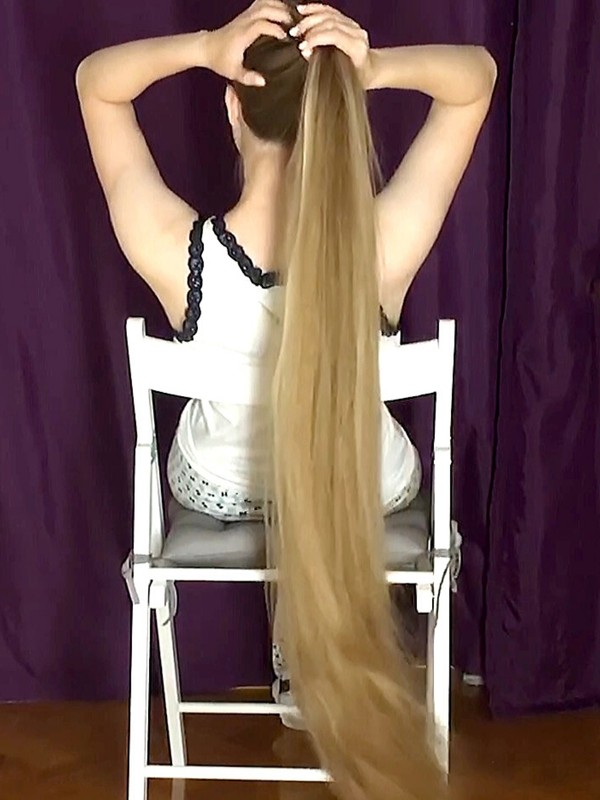 VIDEO - Floor length when sitting in a chair
