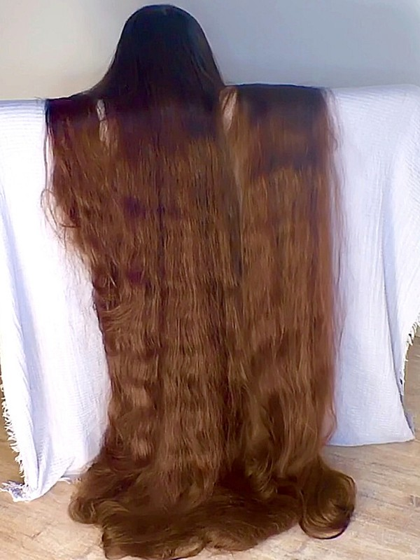 VIDEO - Super long hair sliding