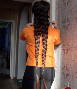 VIDEO - Braided pigtails