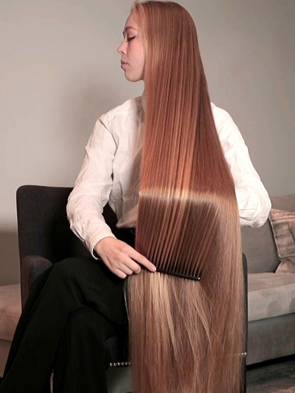 VIDEO - Super long blonde, silky hair brushing and coming