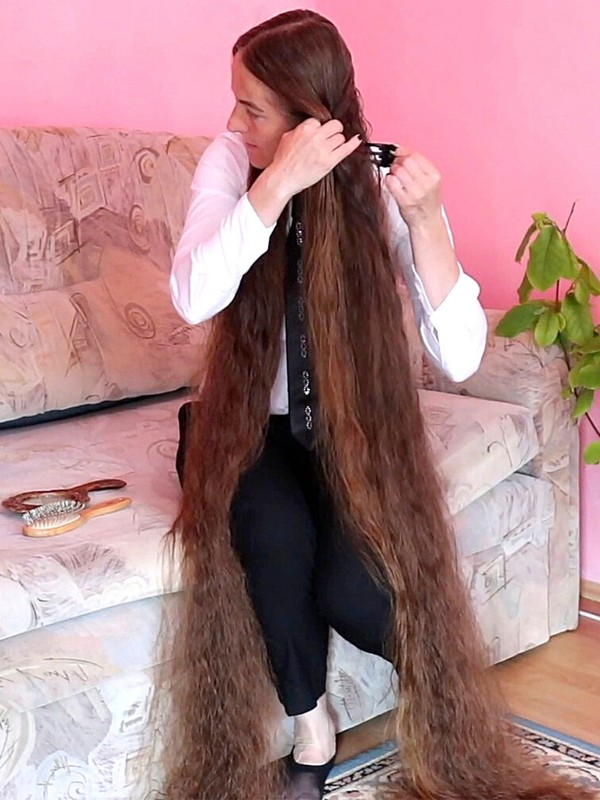 VIDEO - Hair longer than you can imagine